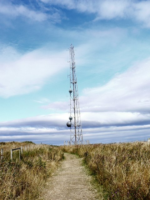 Telecoms_mast_-_geograph.org.uk_-_224298