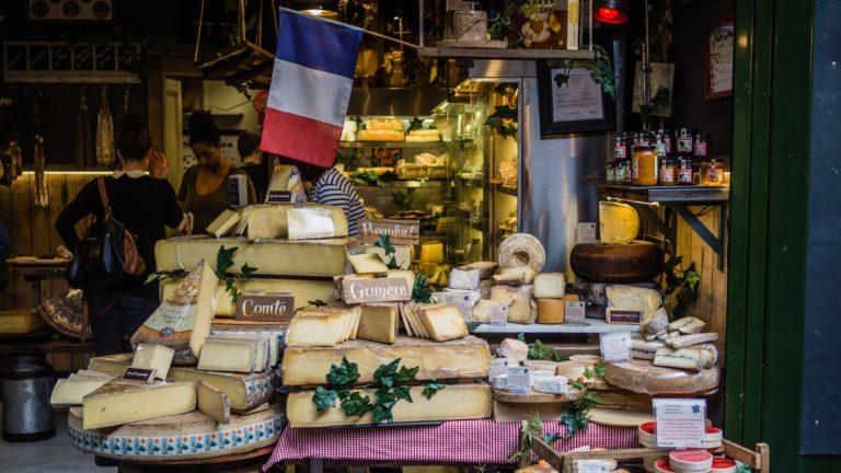 Etal de fromages français