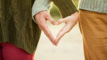 Fruitz : un LinkedIn de l'amour ? Quand les sites de rencontre empruntent le jargon du monde professionnel